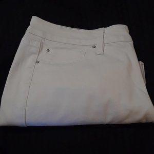 Royalty-Bermuda shorts white